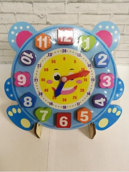 Часы на подставке (рамка-вкладыш развивающая деревянная) 22,5*22,5 см